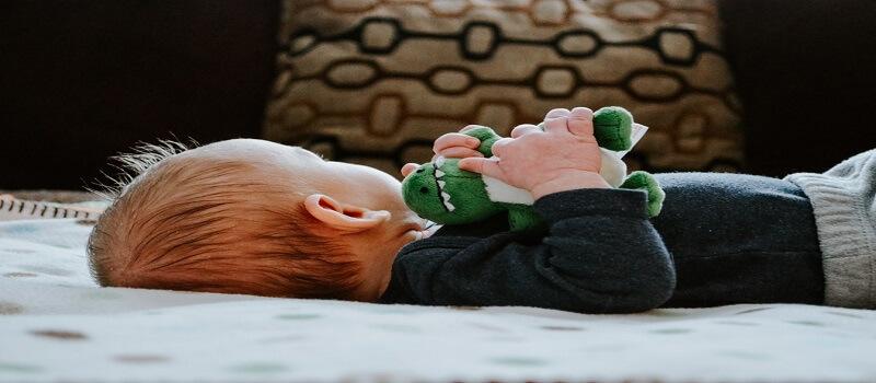 znojenje glave kod beba dok spavaju